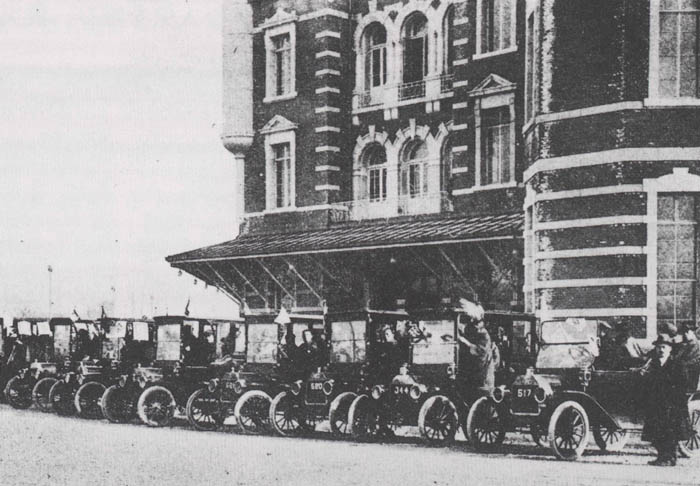 Taxis at Tokyo Train Depot in 1925